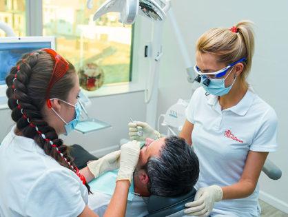 Пломбирование зубов: цена, виды, как ставят пломбу