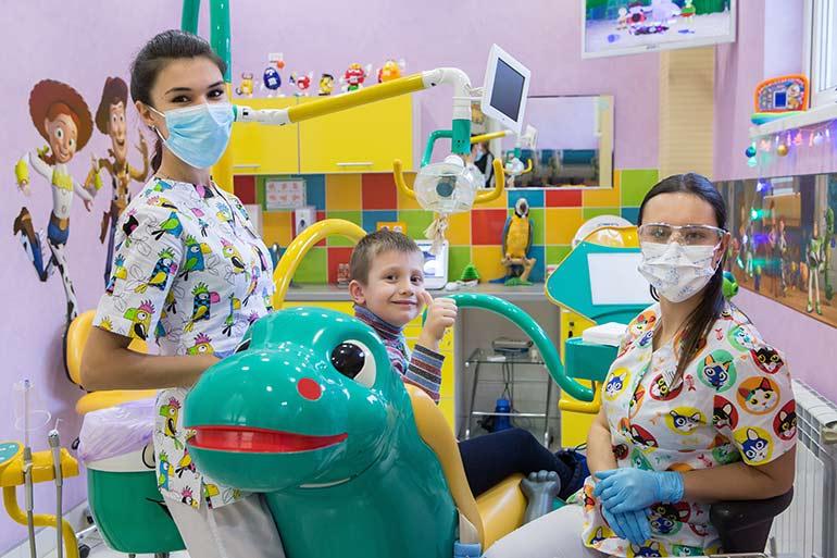 Лечение кариеса у детей или кариеса молочных зубов