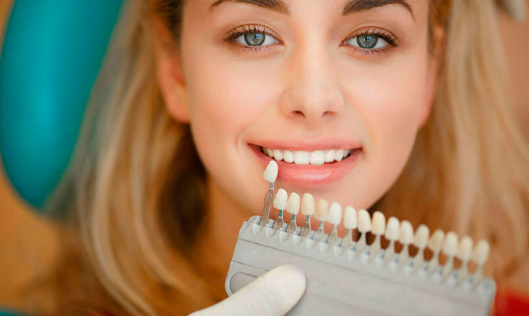 Желтые зубы: лечение и профилактика